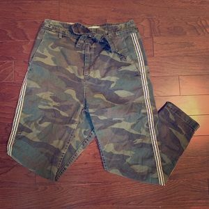 L'Automne Camo-Print Twill Pants